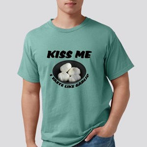 FIN-kiss-taste-garlic Mens Comfort Colors Shir