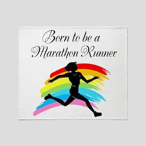 MARATHON RUNNER Throw Blanket