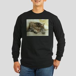 sleeping kitty Long Sleeve Dark T-Shirt