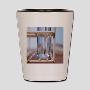Alkene decolourisation of bromine water - Shot Gla
