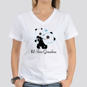 1st Time Grandma panda Women's V-Neck T-Shirt