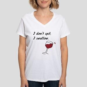 I don't spit... Women's V-Neck T-Shirt