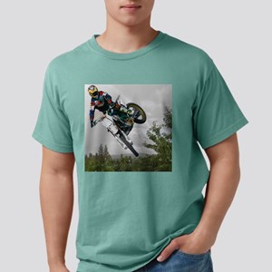 Chasing a Rainbow1 gray  Mens Comfort Colors Shirt