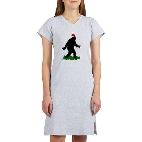 Christmas Squatchin Women's Nightshirt