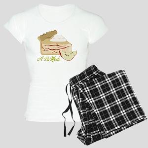 A La Mode Women's Light Pajamas