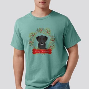 Black Lab Christmas Wrea Mens Comfort Colors Shirt