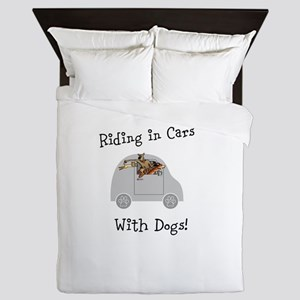 Traveling with dogs Queen Duvet