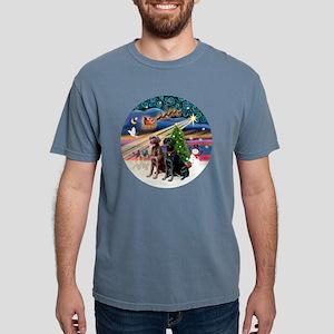 Xmas Magic - Labradors ( Mens Comfort Colors Shirt