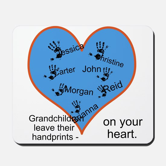 Handprints on your heart - 7 kids Mousepad
