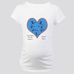 Handprints on your heart - 7 kids Maternity T-Shir