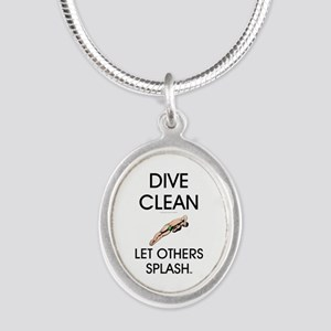 Dive Clean Silver Oval Necklace