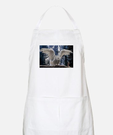 Woody Snow Owl Apron