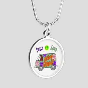 Groovy Van Silver Round Necklace