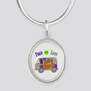 Groovy Van Silver Oval Necklace