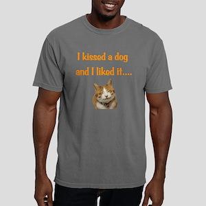 Cat Kiss Mens Comfort Colors Shirt