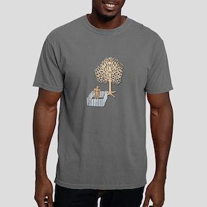 Enclosed Yard and Tree Mens Comfort Colors Shirt