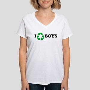 I Recycle Boys Women's V-Neck T-Shirt