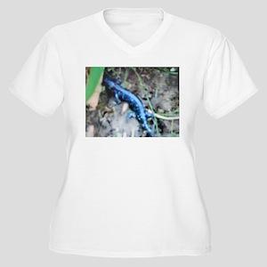 Blue Salamander Women's Plus Size V-Neck T-Shirt