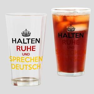 Halten Ruhe und Sprechen Deutsch Drinking Glass