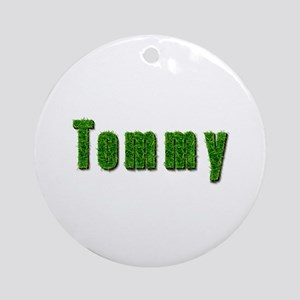 Tommy Grass Round Ornament