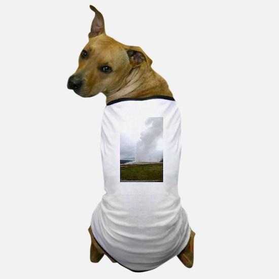 Old Faithful Yellowstone National Park Dog T-Shirt
