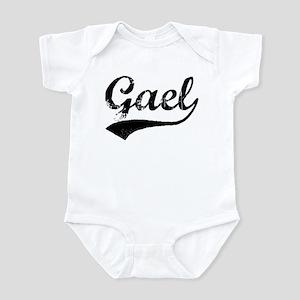 Vintage: Gael Infant Bodysuit