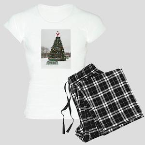 Lobster Trap & Bowie Christmas Tree Women's Light