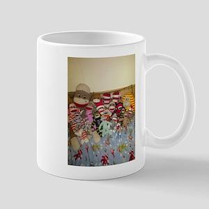 sock monkey family Mug