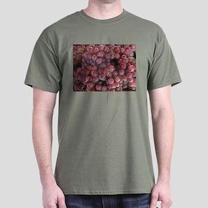 Dark T-Shirt with luscious purple grapes