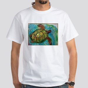 Sea turtle! Wildlife art! White T-Shirt