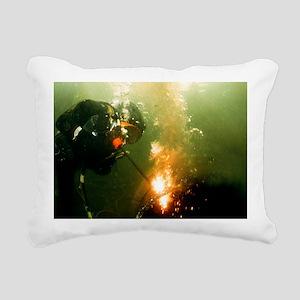 Welding underwater - Pillow