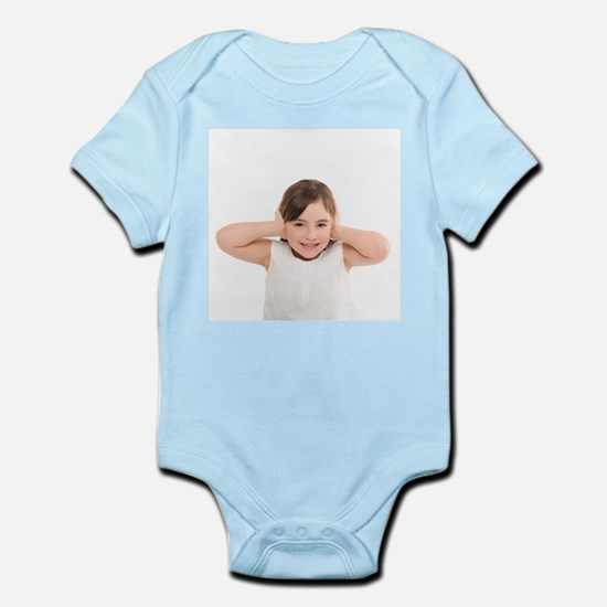 Girl covering her ears - Infant Bodysuit