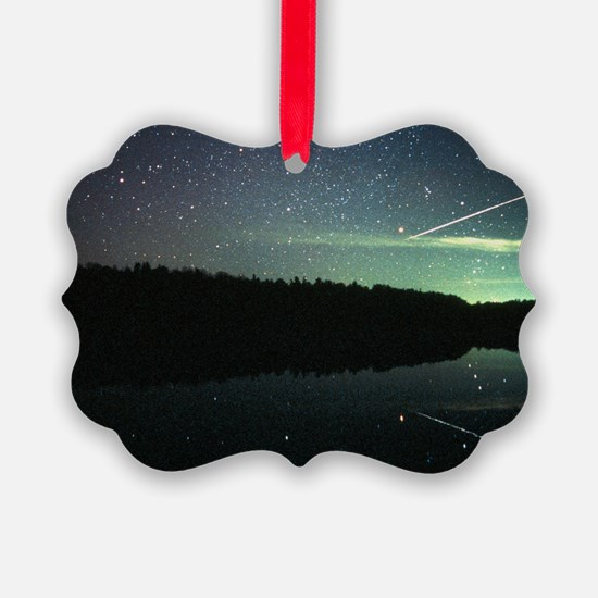 Meteor over lake - Ornament