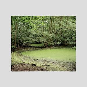 Algal bloom in pond - Throw Blanket