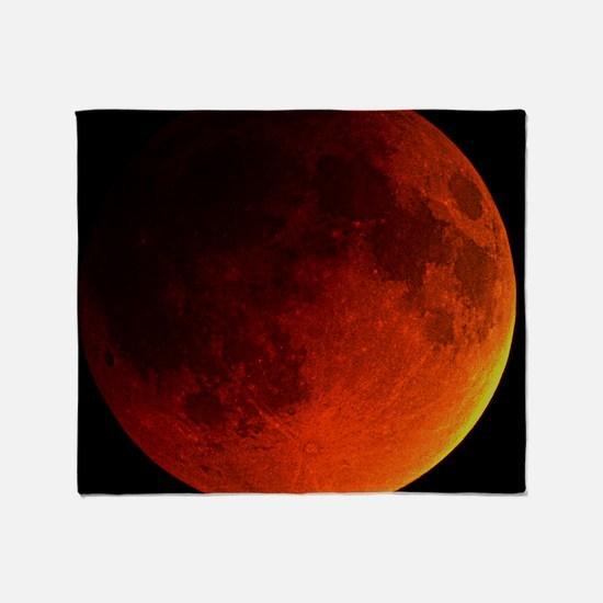 Total lunar eclipse - Throw Blanket
