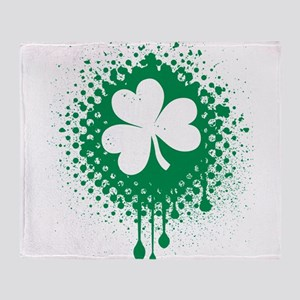 Irish Shamrock grunge Throw Blanket
