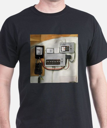 Electricity meter and fuse boxes - T-Shirt