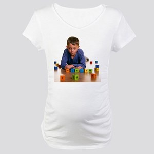 Autistic boy - Maternity T-Shirt