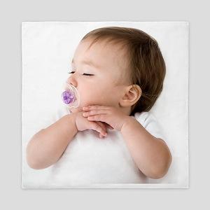 Sleeping baby girl - Queen Duvet