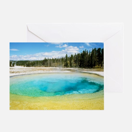 Geothermal pool in Yellowstone National Park - Gre