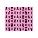 Pink Cat Paw Pattern Throw Blanket