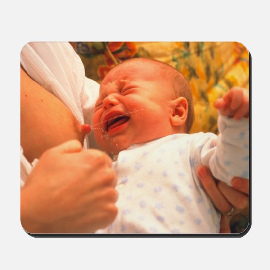 Breast-feeding: baby's crying causes milk flow - M