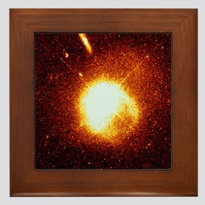Quasar interacting with a companion galaxy - Frame