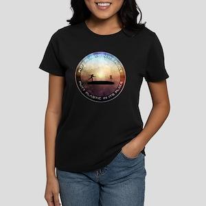 Putt Plastic In Its Place Women's Dark T-Shirt