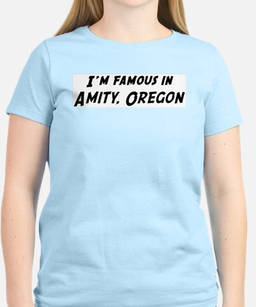 Famous in Amity Women's Pink T-Shirt