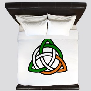 irish celtic knot King Duvet