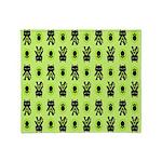 Green Cat Paw Pattern Throw Blanket
