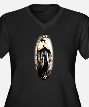 Mary Plus Size T-Shirt