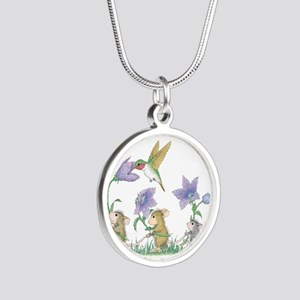 A Spring Tail Silver Round Necklace