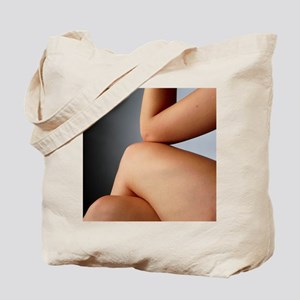 her knee - Tote Bag